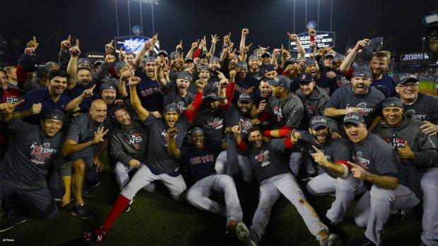 Проклятие пало: легендарные Ред Сокс вновь покорили бейсбольный Олимп