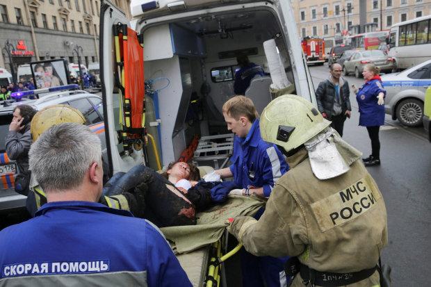 У Росії вибухнув та завалився житловий будинок: 80 людей шукають під руїнами