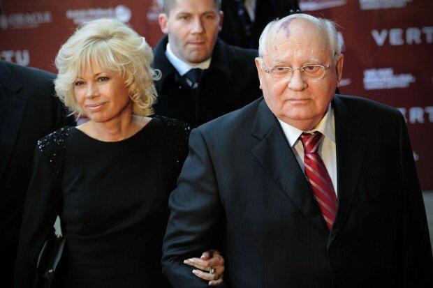 """Горбачев объяснил, почему снялся в скандальной рекламе пиццерий: """"Я бывший глава государства"""""""