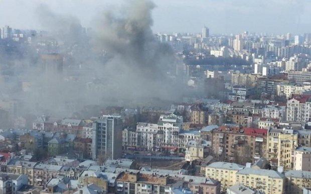 В Киеве слышали взрывы в ночь пожара под Винницей