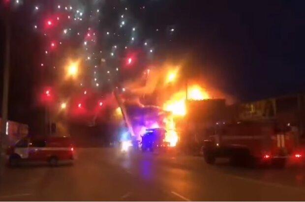 Пожежа на ринку піротехніки у Ростові, скріншот відео