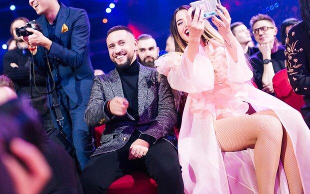 """Melovin, Кароль та Каменських """"порвали"""" церемонію М1 Music Awards 2019: повний список зіркових переможців"""