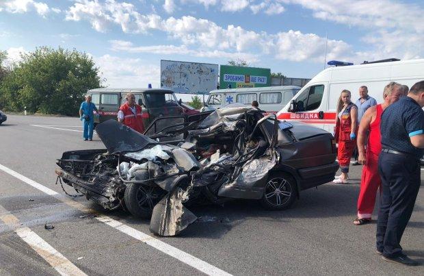 В Одессе ночной форсаж шумахеров превратились в ад: машины - в фарш, фотошок с места аварии