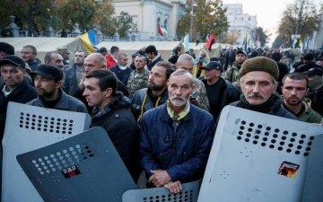 Нардеп сказав, куди потрібно йти мітингувальникам