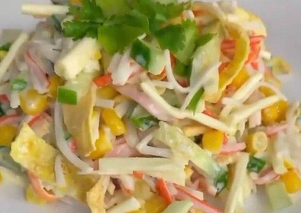 Крабовый салат / скриншот из видео