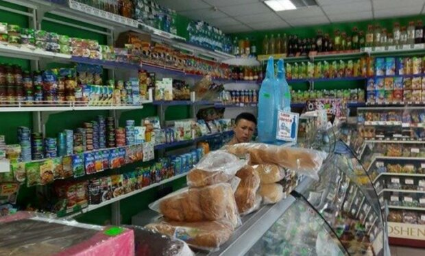 В Запорожье пенсионерка чуть не умерла в магазине, бездушная продавщица не разрешили даже присесть