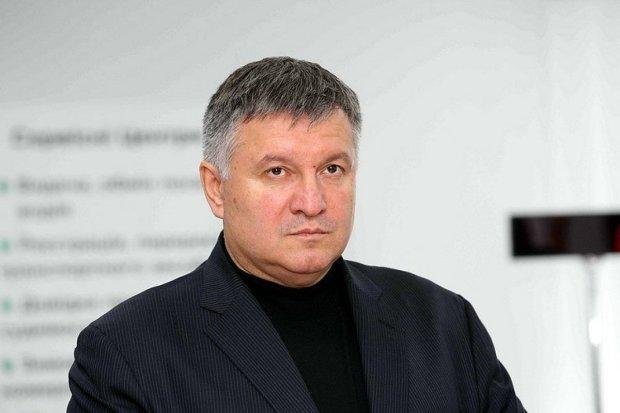 Аваков розкрив подробиці передвиборної кампанії: грубі порушення