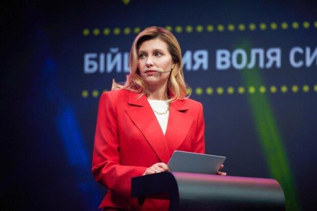 """Зеленская улыбнулась в день траура, украинцы объявили бунт: """"Ты берега попутала и твой муж тоже"""""""