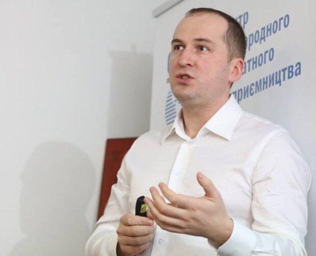 Олексій Павленко: біографія і досьє, компромат, скріншот із Твіттер