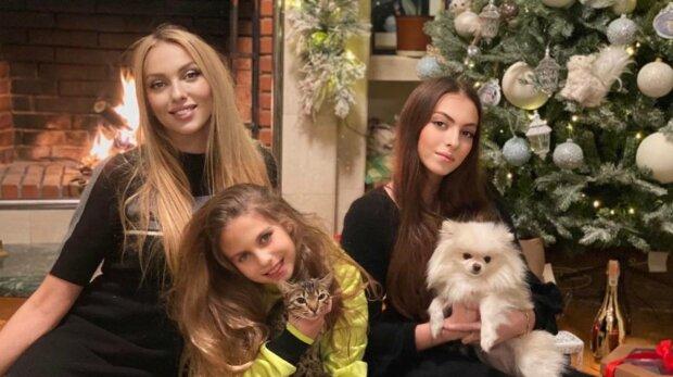 Оля Полякова с детьми, фото: Instagram