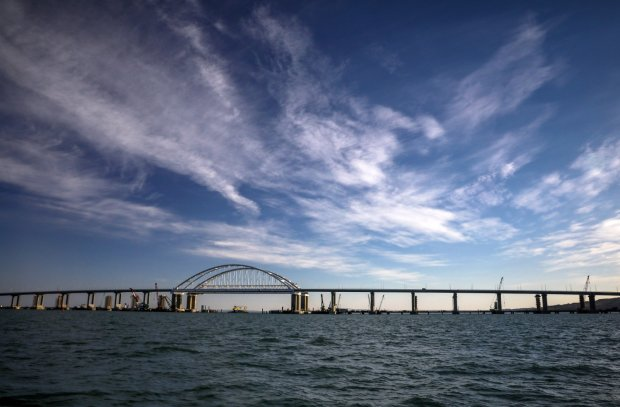 Крымский мост превратился в памятник человеческой тупости: кто вообще по нему ездит