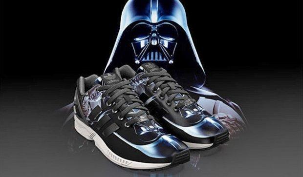 """Фанати """"Зоряних війн"""" можуть створювати авторські кросівки Adidas (фото)"""