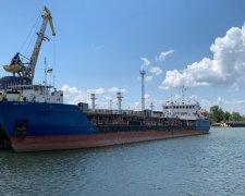 Російський танкер Nika Spirit