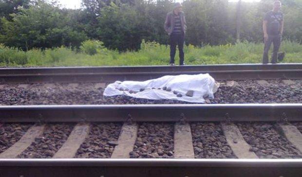 Військовий викинувся з поїзда дорогою до частини