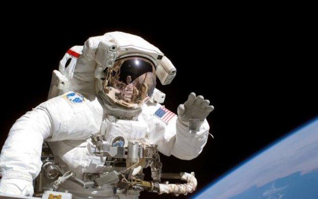 Без страховки в космосе: умерла легенда NASA