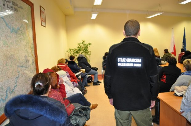 У Польші українця викинули з вікна: діти чекали тата додому