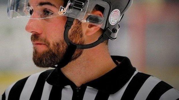 Шайбу в голову: арбітр загинув під час хокейного матчу