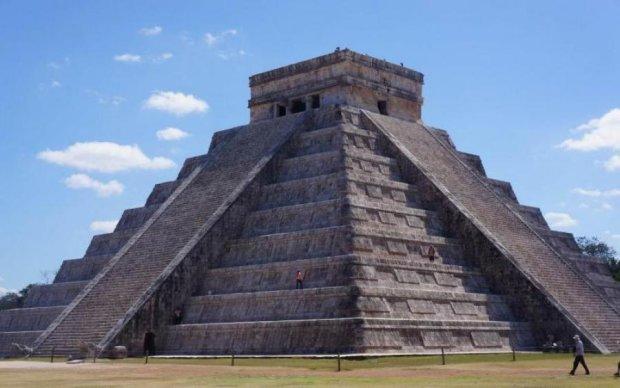 """Піраміда майя приховувала хід в """"печери смерті"""""""