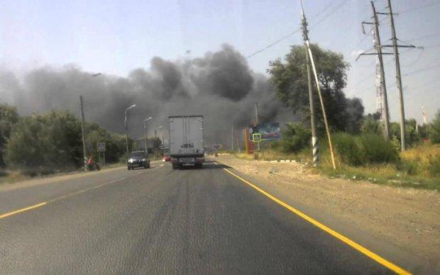 Катастрофа на Донбассе: города окутал ядовитый дым, пожарные бессильны