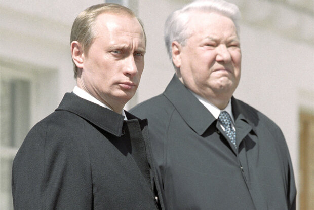 Владимир Путин и Борис Ельцин фото из российских СМИ