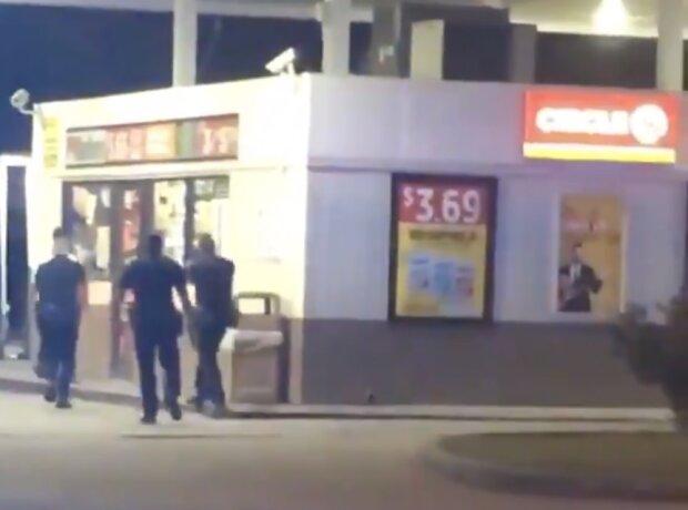 Полицейские расстреливают афроамериканца, скриншот видео
