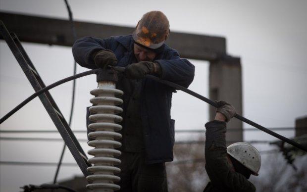 """У Путина раскрыли схему тайных поставок электроэнергии в """"ЛНР"""""""