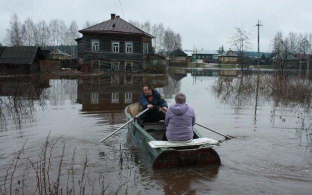 На межі катастрофи: масштабні підтоплення на Харківщині показали з висоти