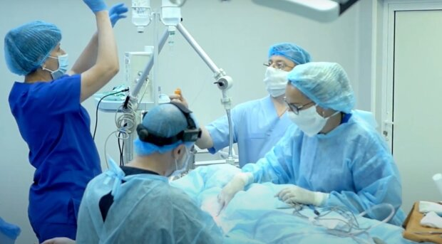 Операція, кадр з відео, зображення ілюстративне: YouTube
