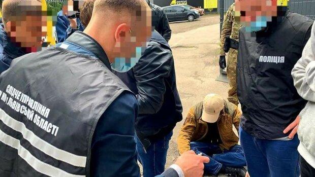 Во Львове муниципалы Садового работали на мажоров, получая зарплаты из карманов горожан