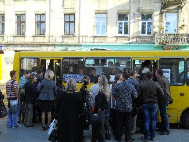 У Львові різко подорожчає проїзд у транспорті: скільки доведеться викласти за сумнівний комфорт, тільки спокійно