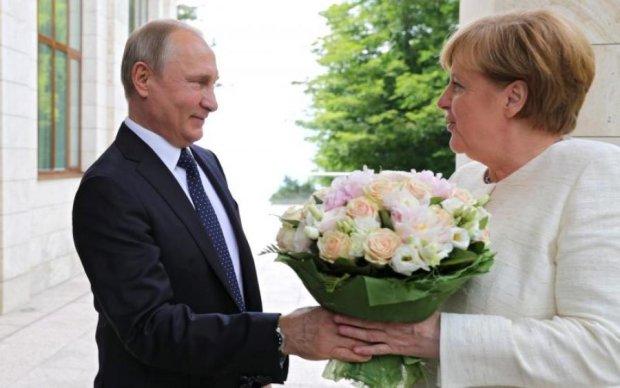 Все потрапило в молоко: глашатай Путіна розповів, навіщо господар зустрівся з Меркель