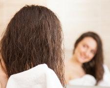 Якщо ви спите з мокрими волоссям, то негайно припиняйте