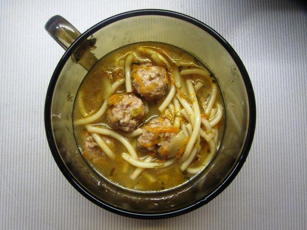 Суп з фрикадельками і мирпуа: вишуканий рецепт для вашого столу