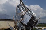 На Донбассе бушует неистовый ураган: стихия уничтожает все на своем пути, люди молят о помощи