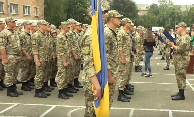 Призов в армию, скрин из видео