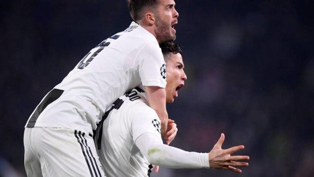 Хет-трик Роналду вывел Ювентус в четвертьфинал Лиги чемпионов