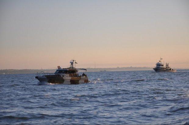 """Атака в Азовському морі: """"Миротворець"""" впізнав капітанів Путіна, які захопили наші кораблі"""