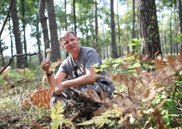 """Головного """"радикала"""" Ляшка застукали в лісі за дивним заняттям: """"Багато питань, але немає відповіді..."""", фото"""