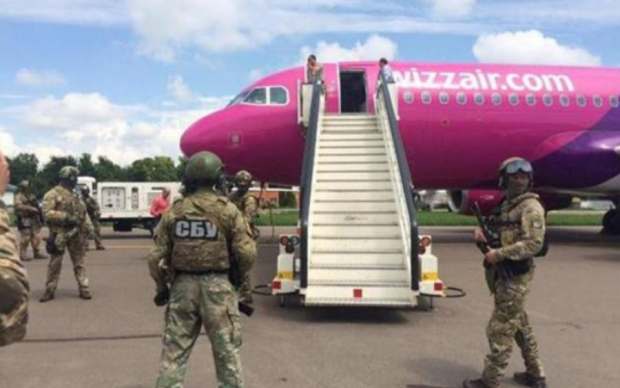 Сбит на взлете: чиновника времен Януковича схватили в аэропорту