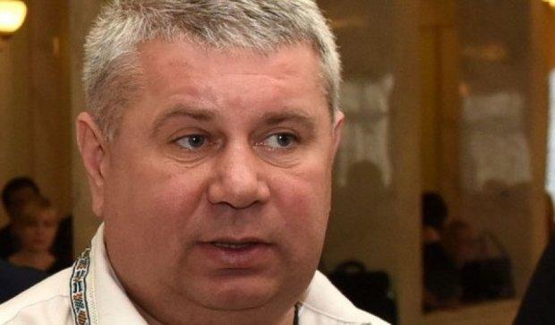 Нардеп пострадал от польских фанатов во время драки в Киеве