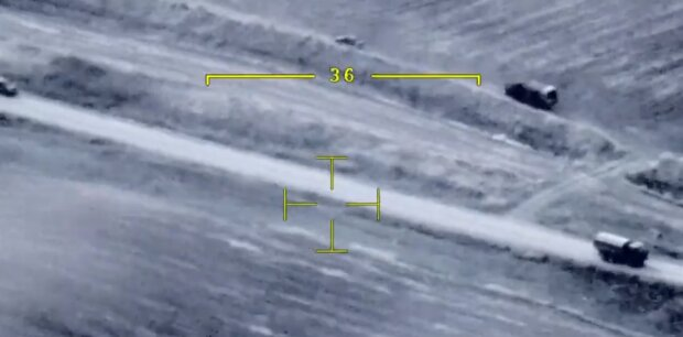 """""""Міністра оборони"""" поранили в бою: в мережі показали відео вибуху машини"""
