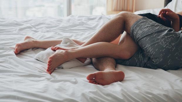 """Сексологи бьют тревогу: все больше людей думают об """"этом"""""""