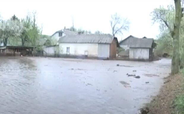 На Тернопільщину чекає повінь, Буг і Дністер вийдуть з берегів - рятувальники готуються до гіршого