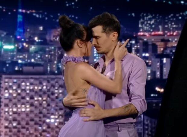 Олексій Завгородній і Юлія Сахневич, скрін з відео