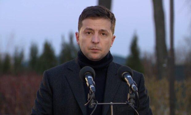 """Подоляк объяснил запоздалую реакцию Зеленского на аварию МАУ: """"Вся команда разлетелась на моря"""""""