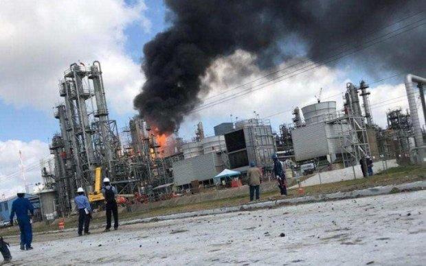 На заводі Tesla Ілона Маска спалахнула пожежа: в мережі показали фото