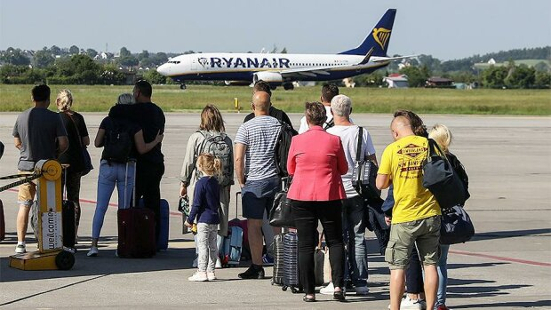 Львів'ян відправлять в Будапешт