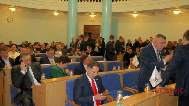 Распилил пол Винницы: местный депутат попался на мерзкой схеме, у Зеленского взяли на карандаш