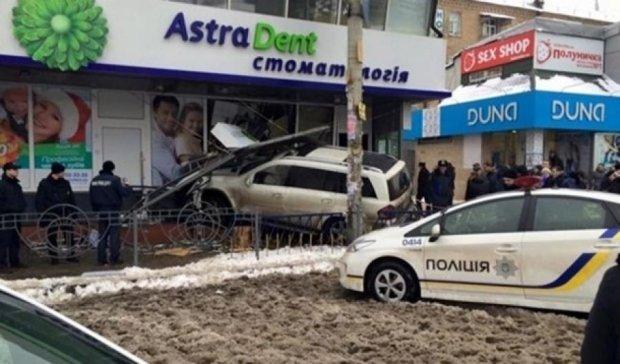 """Донецького """"мажора"""" Толстошеєва взяли під варту"""