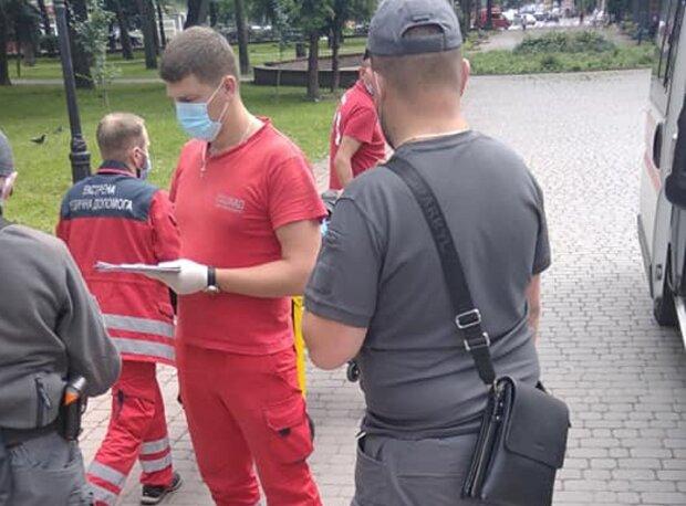 Во Франковске спасли пьяного мужчину с разбитой головой: упал, очнулся - капельница
